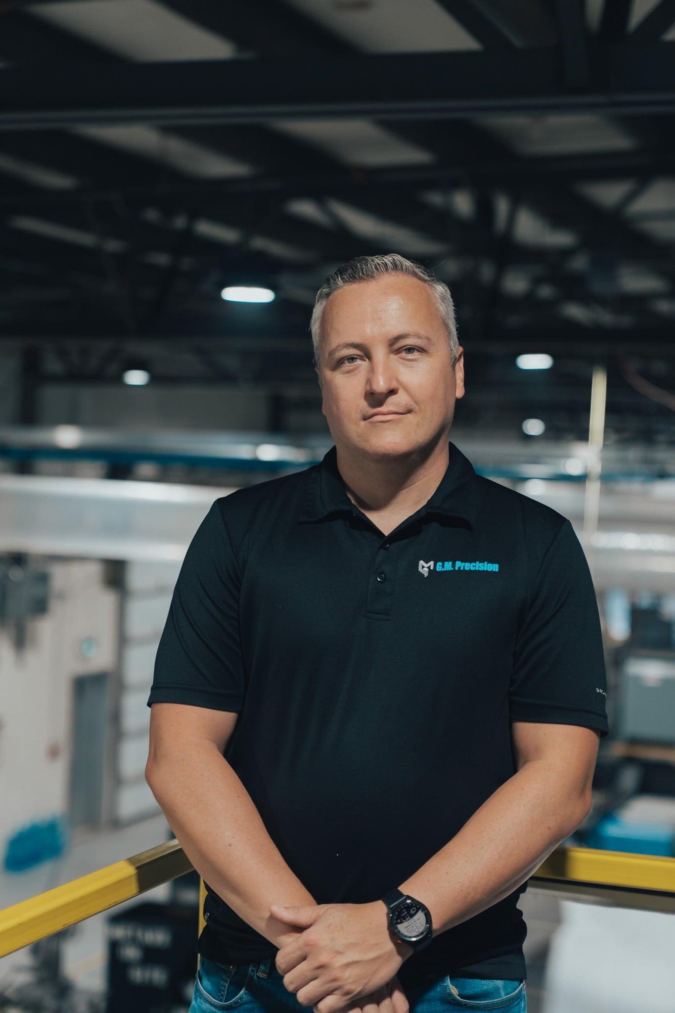 Mathieu Robert Président-directeur général dans l'usine